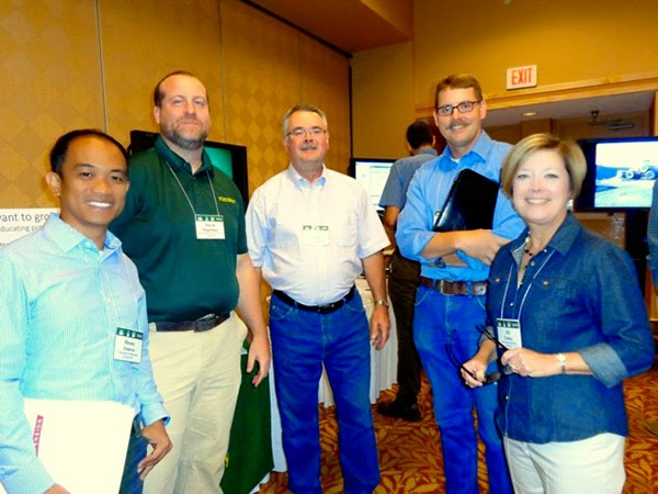 Extension Educators at 2014 Energy, Environment and Extension Summit