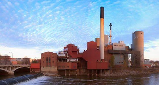 Power plant along Iowa River in Iowa City